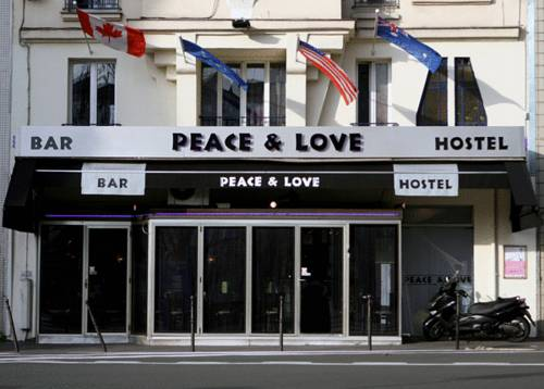 Peace and Love Hostel em Paris